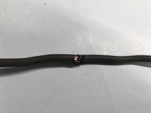 ケーブル損傷